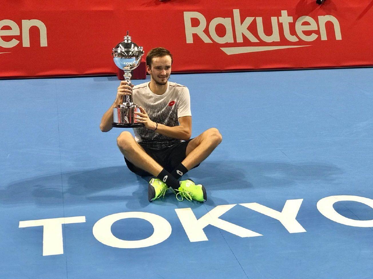 Daniil Medvedev első ATP 500-as trófeájával