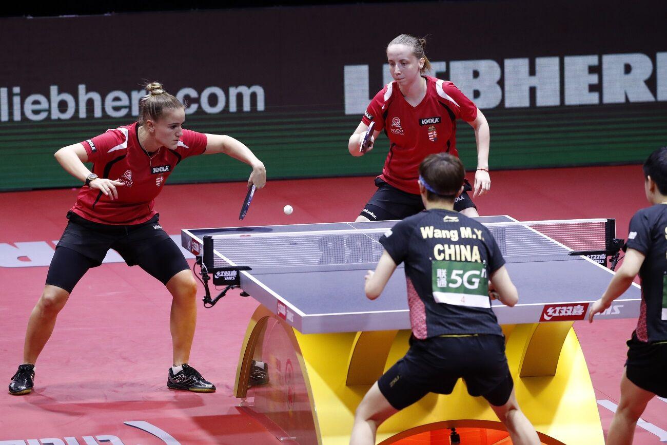 Pergel Szandra és Madarász Dóra játszik a budapesti világbajnokság női páros versenyében.